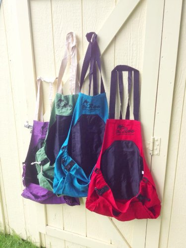 The-Roo-Gardening-Apron-in-blue-color-0-1