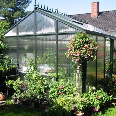 Royal-Victorian-Polycarbonate-Greenhouse-0