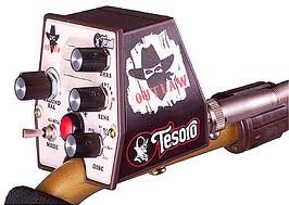 Tesoro-Outlaw-Metal-Detector-with-single-8-Coil-0-1