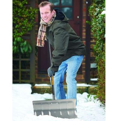 True-Temper-Aluminum-Snow-Pusher-24-in-0-1